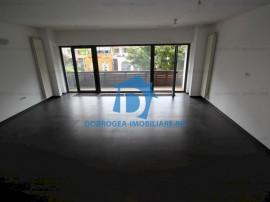 Babadag, complet renovat, etaj 1, vedere stradala, centrala