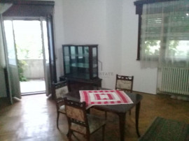 Apartament cu 3 camere in zona Rosetti - Universitate