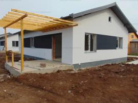 FARA COMISIOANE casa 3 camere 2 bai placa beton finisaje LA