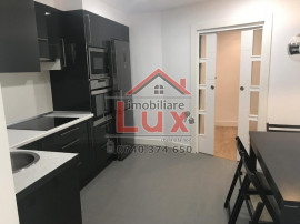 Apartament 3 camere ''La cheie'' LUX