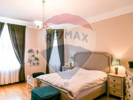 Apartament cu 4 camere de vânzare în zona Ultracentrala,