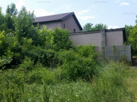 Gulia, DN7, loc de casă, aproape de pădure