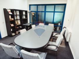 Spațiu de birouri de 388.77mp de vânzare în zona Frati...