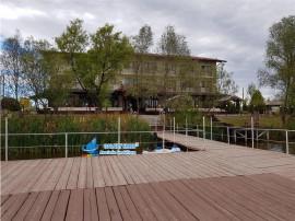 Pensiune cu lac de agrement in Calinesti