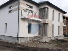 Casă / Vilă cu 4 camere de vânzare în Brasov Stupini-...