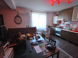 Apartament 3 camere, etaj 1, imobil 2010, strada Astrelor