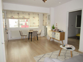 Apartament cu 2 camere si parcare, zona Petrom Calea Baci...