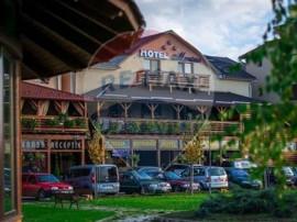 Hotel Termal/Spa, pe aleea Strandului Termal Tasnad