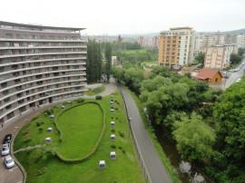 Apartament 136 mp 4 cam bloc semiluna Plopilor. COMISION 0%