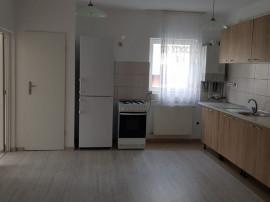 Apartament 3 camere semidecomandat, 54 mp, Etajul 2 din 3