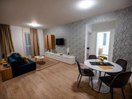 Apartament nou, modern si spatios in zona centrala privata !