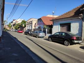 Doua apartamente cu 4 camere de vânzare în zona Ultrace...