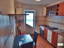 3 camere decomandat etaj intermediar Centrul Civic,108J0