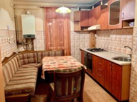Apartament 4 camere, zona Alfa, decomandat, 103 mp