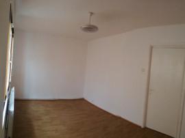 2 camere , etaj 1 , Smirodava