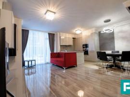 Apartament delicat, 3 camere, de închiriat. Arad Plaza.