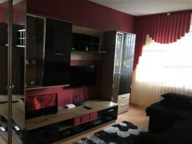 Zona Astra, 3 camere decomandat, etaj 2