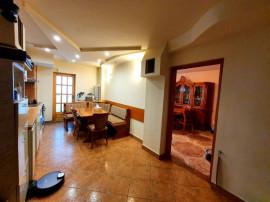 4 camere Calea Bucuresti-Darste, decomandat, etaj 1, 85.000€