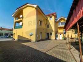Apartament spatios cu 3 camere zona Intim