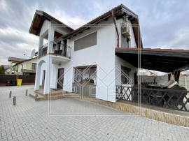 Casa 4 camere, teren 736 mp, carport, 3 bai - Selimbar