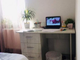 Apartament cu 2 camere, mobilat și utilat