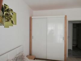 Proprietar, închiriez apartament cu 2 camere, zona Apărători