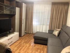 Apartament 2 camere, decomandat, et. inter. - zona Noua