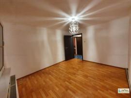 Apartament 3 camere decomandat etajul 3 Noua,109HK