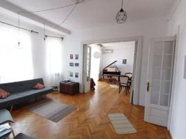 Apartament cu 4 camere in zona Armeneasca
