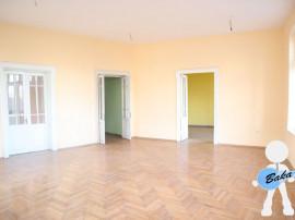 Apartament 5 camere Centrul Vechi