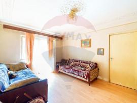 Apartament cu 3 camere de vânzare în zona Micalaca
