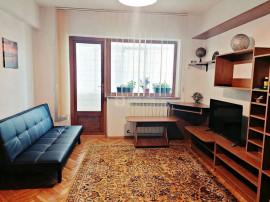 Centru - Tg. Cucu, apartament cu 2 camere decomandat