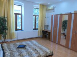Apartament 2 camere la casa, 67 mp, ultracentral, et. 1