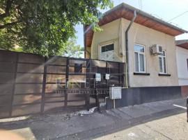 Casa central, curte proprie, StradaTeleajen (productie/birou