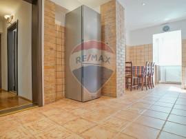 Apartament semi-decomandat 3 camere de închiriat, zona R...