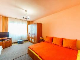 Apartament 3 camere, calea Siriei, decomandat si spatios