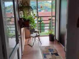 Inchiriez apartament 3 camere, Sacele, Zona Bunloc