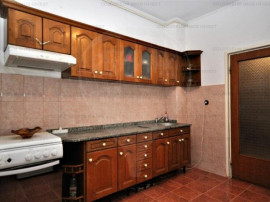 Apartament decomandat, 3 camere, 80mp, beci+parcare-Grivitei