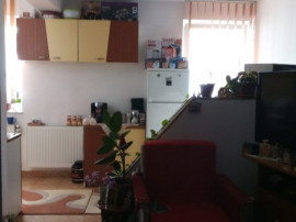 Apartament 2 camere etaj 1, parcare strada Profesor Ioan Rus