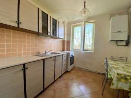 Apartament 3 camere semidecomandat Marasesti