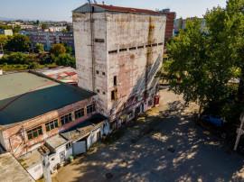 Clădire turn industrială