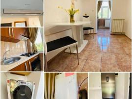 Apartament 3 camere - Decomandat - Etaj 3 - Strada Mioritei