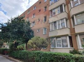Apartament spatios cu 2 camere de vânzare în zona Calea...