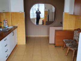 Apartament 3 camere zona CENTRUL CIVIC,