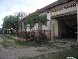 Casa mare(stil German) la Zadareni in localitate,st.2900mp
