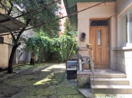 Casa cu curte 3 camere , bucatarie, baie Manastur