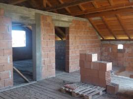 X1RF1137E , Casa la rosu in Horia Arad