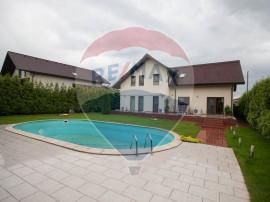 Vila cu piscina-vedere la lac in Paradisul Verde - Corbeanca