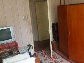 Apartament 3 camere Dezrobirii