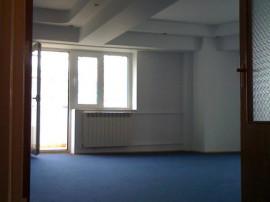 Bucuresti, inchiriez Apartament 4 camere 120 mp, zona Unirii